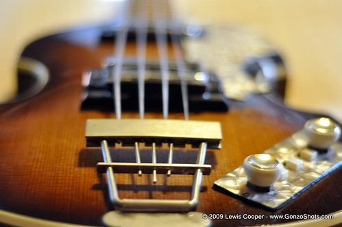 1967 Hofner Beatle Bass - Down The Strings