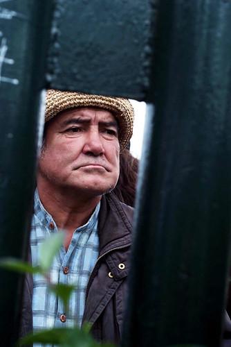 Viande. Old man waiting for new year, Valparaiso. Foto di Massimo Di Terlizzi