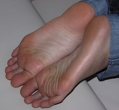 002 (vshlkrishna) Tags: feet asian toes arch chinese polish heel wrinkles soles