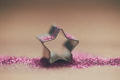 Stars (Graella) Tags: lalaland star estrella purpurina bokeh macro rosa pink stilllife music melody song