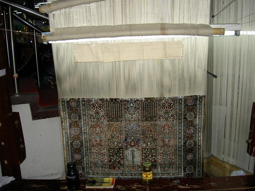 China - Silk carpet weaving
