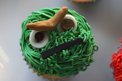 GARBAGE! these cupcakes are GARBAGE!! ({ coco cake cupcakes }) Tags: oscarthegrouch elmocake cookiemonstercake sesamestreetcake erniebert elmocupcakes cococake cupcakesvancouver cookiemonstercupcakes sesamestreetcupcakes lyndsaysung cococakecupcakes