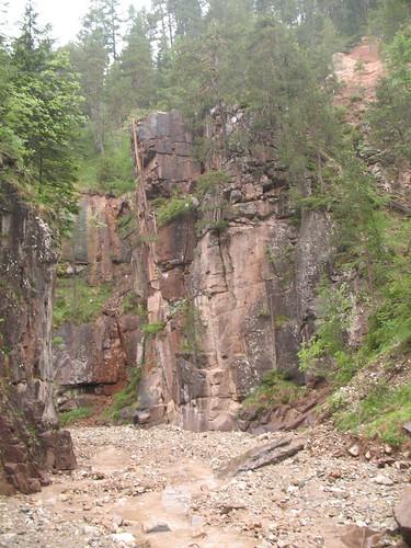 Das Bachbett am Beginn der Bletterbachschlucht