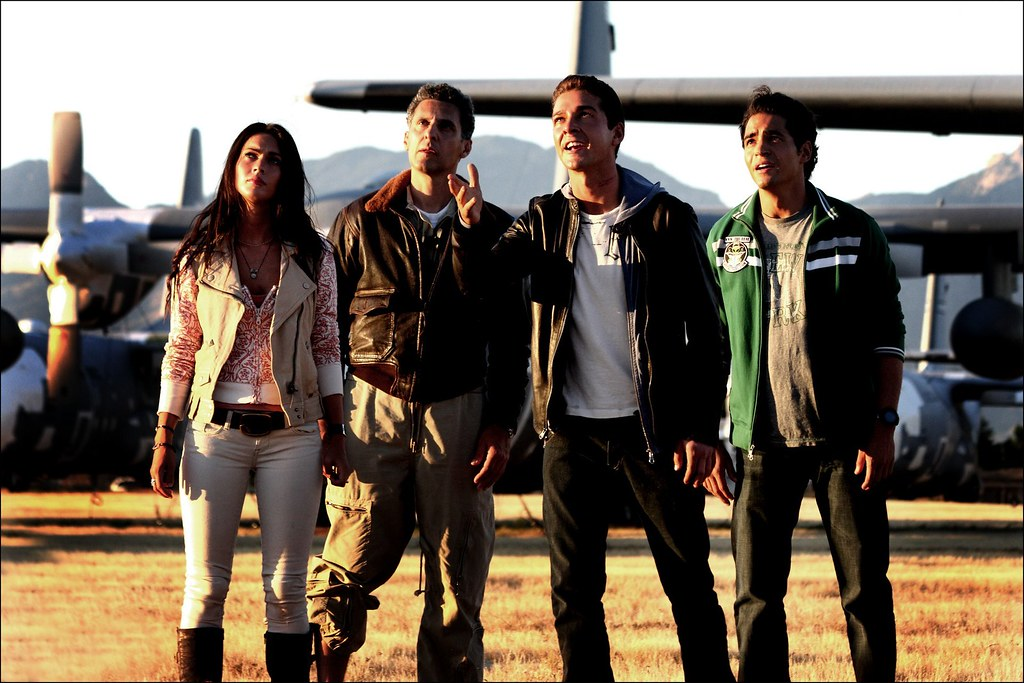 Transformers 2 Megan Fox Ramon Rodriguez Shia LaBeouf y John Turturro