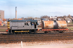 08795 at Gloucester (R~P~M) Tags: uk greatbritain england train diesel unitedkingdom railway gloucestershire gloucester locomotive britishrail 08 glos shunter
