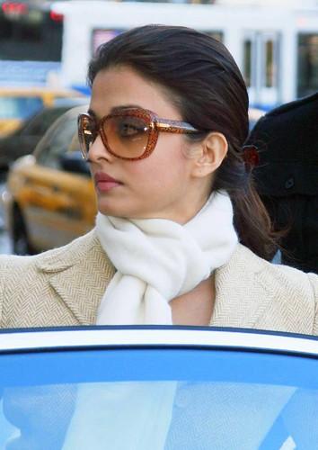 Actress Aishwarya photo