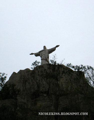 jesus on Rio De Janeiro cliff