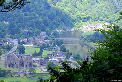 TIntern Abbey and the Wye River from the Devil's Pulpit