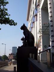 Hello Euston (HoosierSands) Tags: london cat camden artdeco morningtoncrescent carrerascigarettefactory