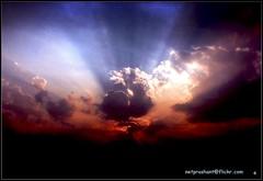 I want to break free.. (netprashant) Tags: morning sky orange india clouds digital sunrise lights freedom sony warmth mp sunrays h2 drama daybreak silverlining lettherebelight madhyapradesh incredibleindia sonyh2 playoflights indiah netprashant satpuda