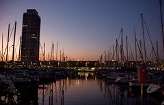 (Alessandra Sala) Tags: barcelona noche mar ciudad paisaje catalunya portolympic