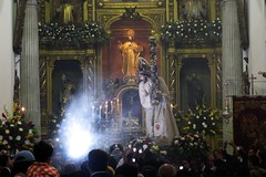 Fotografiandolo (Vktorin) Tags: guatemala jesus fe iglesiadelamerced templo nazareno procesion tradicion devocion velacion jesusnazareno jesusdelamerced