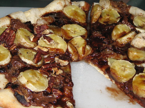 banana nutella pizza
