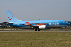 G-THOE - Thomson Airways - Boeing 737-3Q8 (737) - Luton - 090701 - Steven Gray - IMG_5138