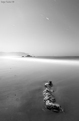 Point (SergioTudela) Tags: longexposure sea mountain seascape portugal sergio rock stone mar stair nightshot creativecommons nocturna montaa estrella 2009 soe roca odemira piedra startrail largaexposicion vilanovademilfontes a900 mywinners abigfave platinumphoto sal20f28 theunforgettablepictures 900 sony20mmf28 sonya900 sonyalpha900 sergiotudela