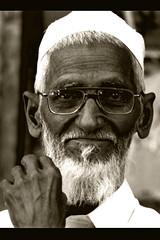 Raftgaan ki yaad ha or hum hen dosto (Engineer J) Tags: life street portrait people photo walk junaid m 2009 lahore rashid islamabad ramazan rawalpindi paksitan uet bahawalpur engr