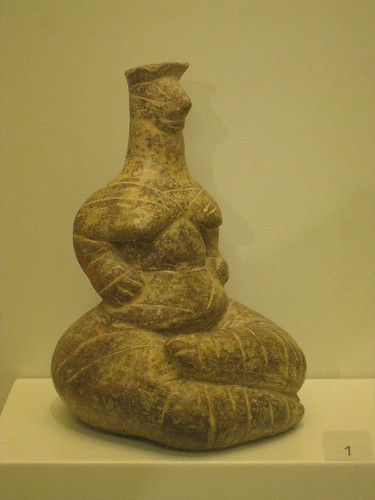 Female figurine por taurenia.
