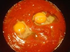 Incorporando los huevos