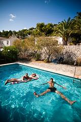 relaxing (Sebastian Schubanz) Tags: water pool spain september alicante tobi philipp 2009 katja moraira costablanca marinaalta penyaldifach