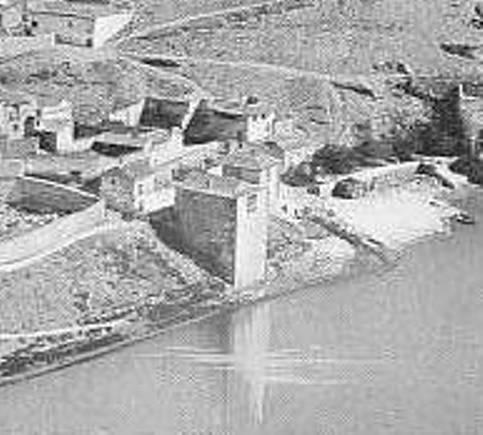 Torre del Hierro de Toledo en el siglo XIX. Foto Louis Levy