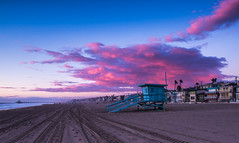 Cotton Candy (tofudrifter) Tags: clouds beach hermosabeach lifeguardtower tower dusk sky