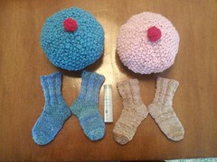 Twin cupcake hats and matching handspun socks