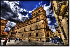 Universidad de Salamanca (_Hadock_) Tags: blue school windows wallpaper people textura azul clouds photoshop de macintosh photo high spain mac nikon university nef foto y gente screensaver stones osx creative 7 sigma commons leon leopard cielo nubes universidad xp linux vista salamanca 1020mm range unix fondo hdr escritorio siete piedras pantallas castilla piedra salva walpaper dinamic photomatix salvapantallas photomatrix d80 comons mbd80