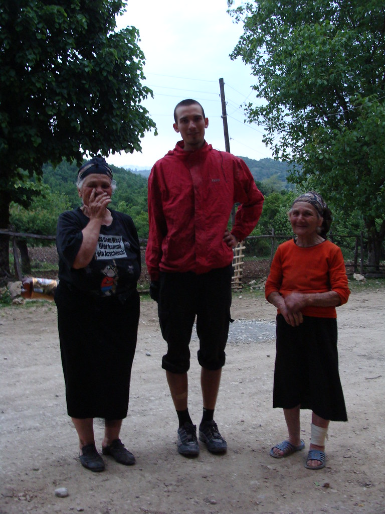 The T-shirt and the old ladies