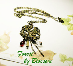 forest-necklace