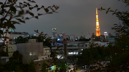 Watching Tokyo Tower from Roppongi Hills