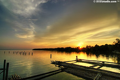 Sunset @ Parit Jawa (HDR) (2121studio) Tags: travel sunset art nature artwork nikon d70s ali malaysia soe hdr highdynamicrange kuantan melayu seni freshfish touristinformation freegame karya bestphoto nikonian malaysianphotographer polestar drali moviedownload topphotographer travelinformation aplusphoto topimage hotwallpaper fascinatingmalaysia freeinformation platinumheartaward 2121studio karyaseni kuantanphotographer pahangphotographer ciptaanallahswt 0139342121 alikuantan worldbestphoto alamindah mp3freedownload adventureecotourismtravelkembara maklumatpelancungan johortouristattraction muartouristspot tempattempatmenarikdijohor asampedassedap paritjawamuarjohor