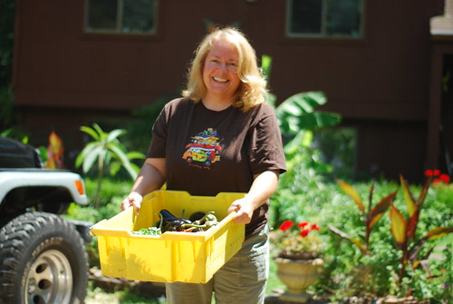 Midlothian-area CSA host Teri unloads the afternoon shares