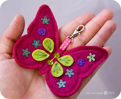 mariposa fieltro ( Wee Rainbow Girl  Nay Paul ) Tags: butterfly keyring colours handmade craft felt colores mariposa crafting llavero manualidades colorido imadeitmyself hechoamano fieltro manualidad