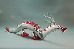 Dragão prata em origami 3D