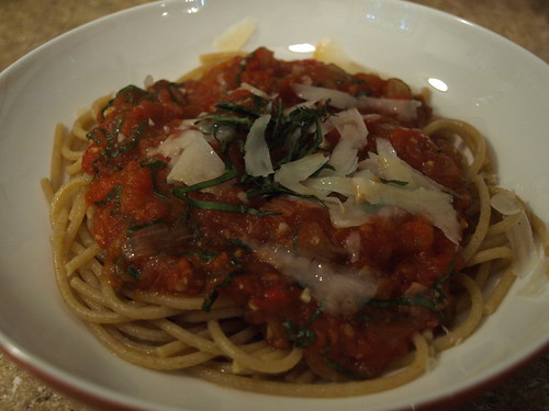 spaghetti with homemade pasta sauce