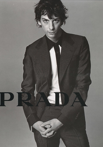 Harry Kinkead5022_PRADA(LEON06_2002_04)