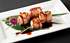 Hana Sushi Bacon Wrapped Scallops (disneymike) Tags: california food flower ice asian japanese restaurant bacon nikon scallops lemons seafood appetizer nikkor d3 skewers murrieta caviar 60mmf28dmicro hanasushi baconwrappedscallops
