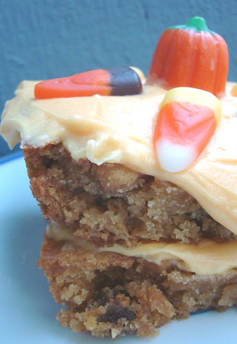 Layered Reese's puffs bars with frosting