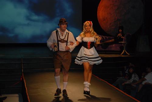 Oktoberfest Guy & Girl