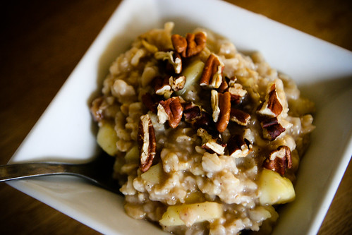 Oatmeal with Apple and Toasted Pecans