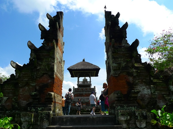 Entrance to Pura Taman Ayun
