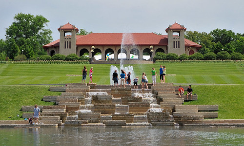 Fountain in front of World's Fair Pavilion, in Forest Park, Saint Louis, Missouri, USA
