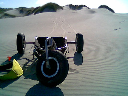 Smooth dunes.... and kite buggy :D