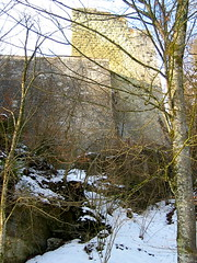 Burgruine - Ruine der Burg Grasburg bei Wahlern in der Nähe von S.chwarzenburg  im Kanton Bern der Schweiz (chrchr_75) Tags: schnee winter snow history schweiz switzerland suisse swiss hiver ruin ruine ruina bern neige christoph svizzera berne castillo burg 0502 berna geschichte festung antike rovina burgruine mittelalter suissa ruïne kanton chrigu руины burganlage wehrbau kantonbern bärn grasburg chrchr hurni lanzenhäusern frühgeschichte chrchr75 chriguhurni ruinegrasburg albumbsr albumburgruinenkantonbern burgenundruinen chriguhurnibluemailch christophhurnichrchrchrchr75chriguchriguhurnichriguhurnibluemailchalbumschweizerschlösser burgburgruinecastilloruineruinruïneруиныrovinaruinamittelaltergeschichtehistorywehrbaufrühgeschichteantikeburganlagefestungalbumschweizerschlösser burgenundruinenalbumburgruinenkantonbernkantonbernbärnschweizsuisseswitzerlandsvizzerasuissaswisssveitsisvissスイスzwitserlandsveits burgruinegrasburg albumschweizerschlösserburgenundruinen