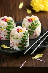 Flower Sushi (bananagranola (busy)) Tags: autumn food flower cooking japan sushi japanese sashimi homemade japanesefood chrysanthemum kiku chirashizushi hotate oshizushi