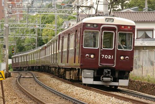 Hankyu7000series(Eco Train color) in Okamoto〜Mikage,Kobe,Hyōgo,Japan 2009/5/29