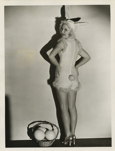 Mary Carlisle by Chickeyonthego