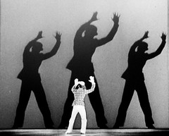 Fred Astaire (Ian Brumpton) Tags: bw paris dance jazz muse swing showtime musicals hoofer fredastaire quaibranly museduquaibranly syncopation