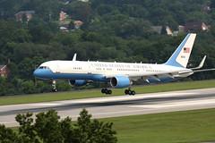 USAF C32 (B757-200) (konrad_photography) Tags: virginia us airport andrews force air presidential roanoke va boeing fleet usaf base 757 c32 b757 b757200 b752