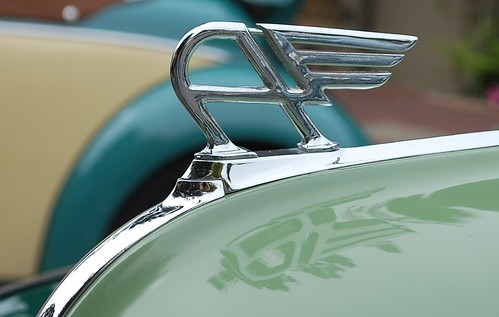 Austin A40 hood ornament detail